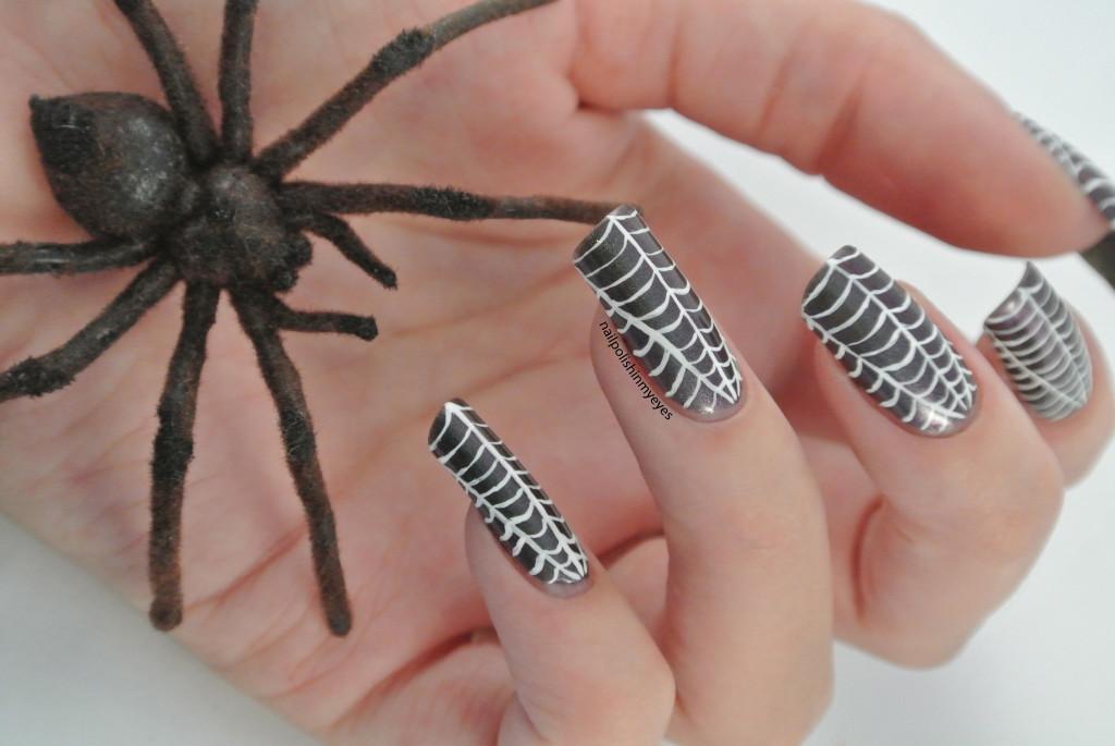 Halloween-cobweb-spinnenweb