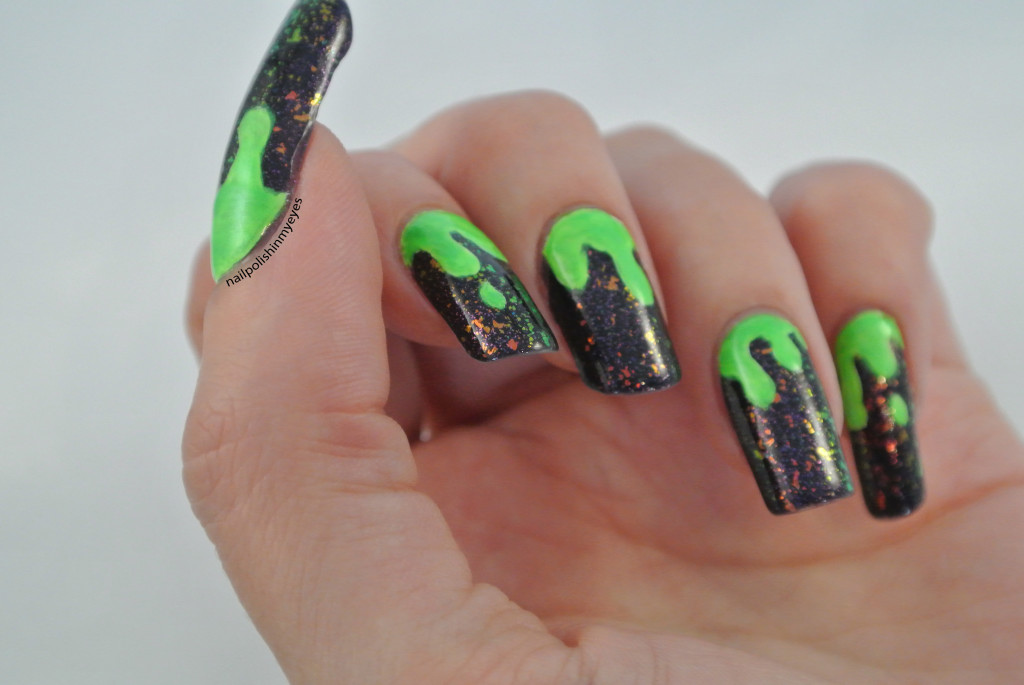 Halloween green slime essence action createx nails