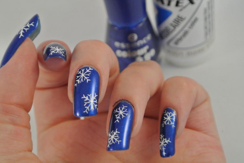 Blue-White-Snowflakes-1.2