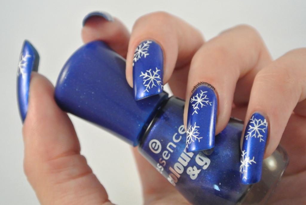 Blue-White-Snowflakes