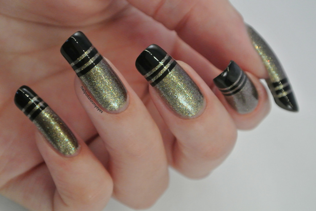 French-Tips-Black-Stripes1