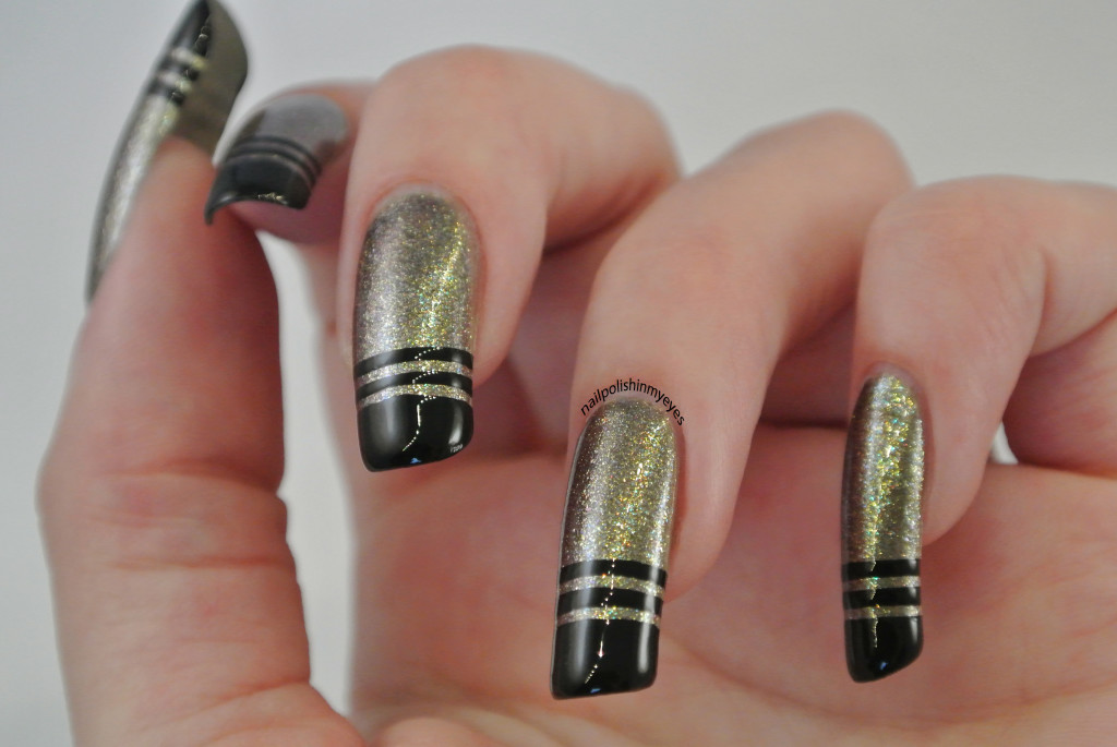 French-Tips-Black-Stripes1.4