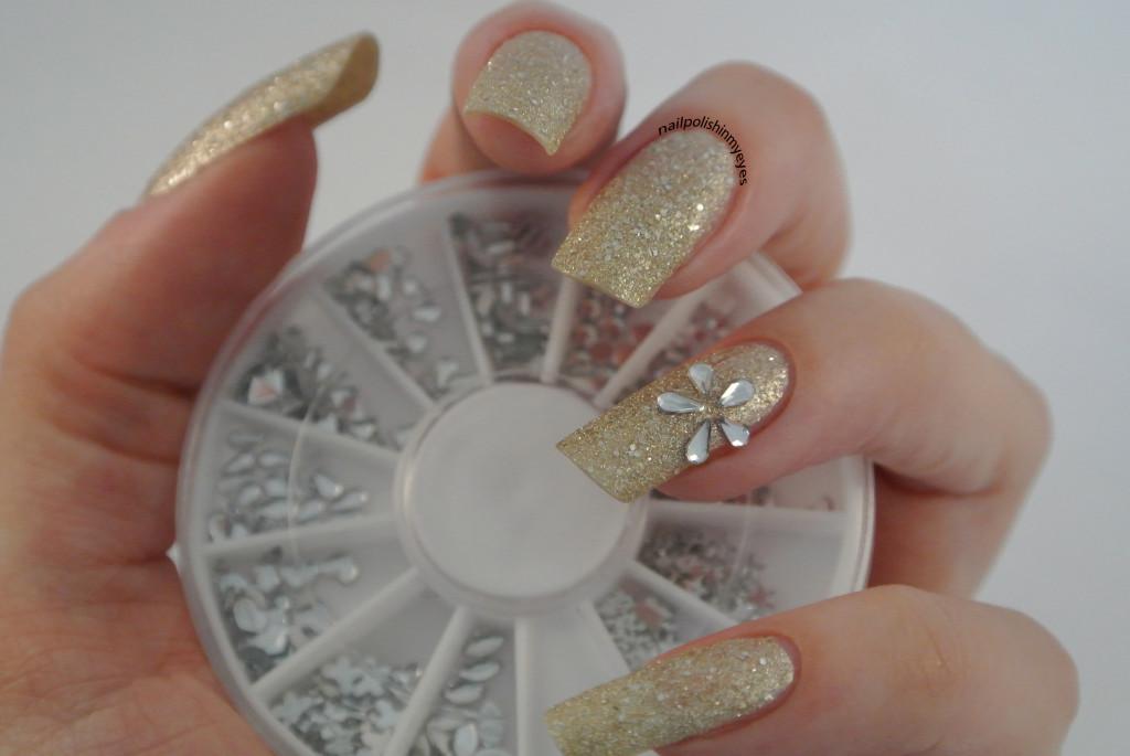 Gold-Texture-Rhinestone-Flower-1.1