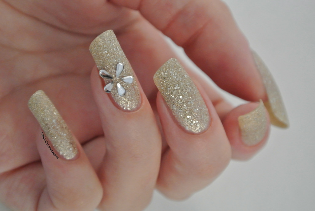 Gold-Texture-Rhinestone-Flower-1.3