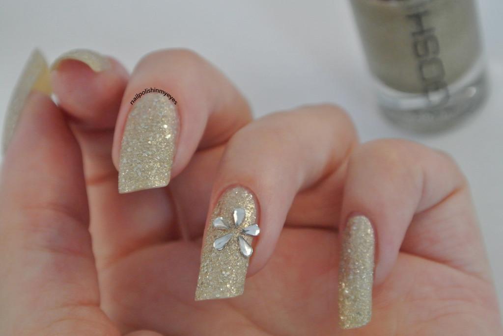 Gold-Texture-Rhinestone-Flower