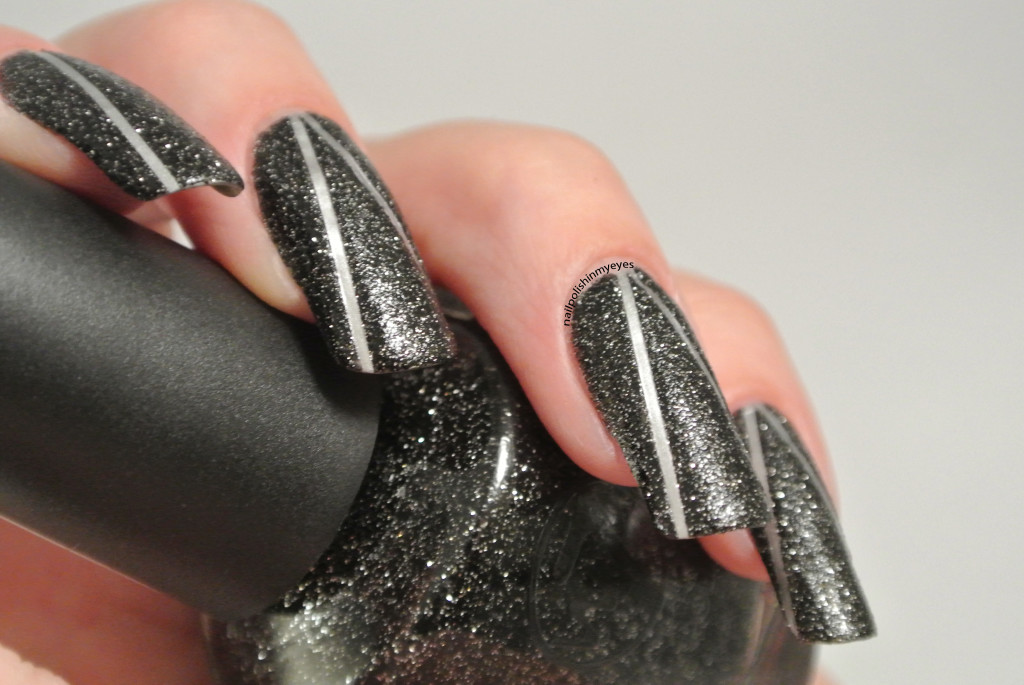 Black-Sand-Silver-Stripes-1.1