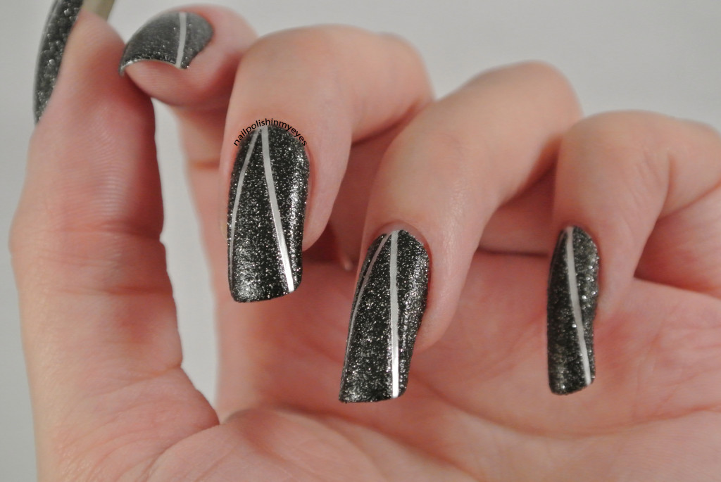 Black-Sand-Silver-Stripes-1.2