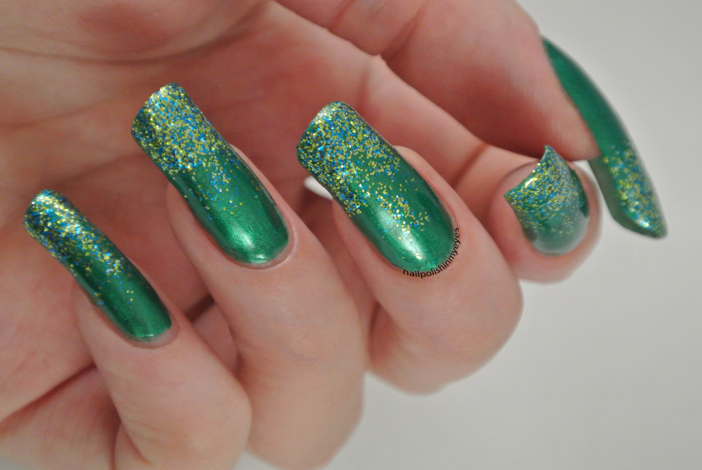 Green-Christmas-Glitter-Gradient-1