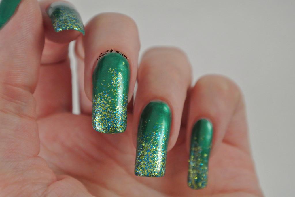 Green-Christmas-Glitter-Gradient-1.3