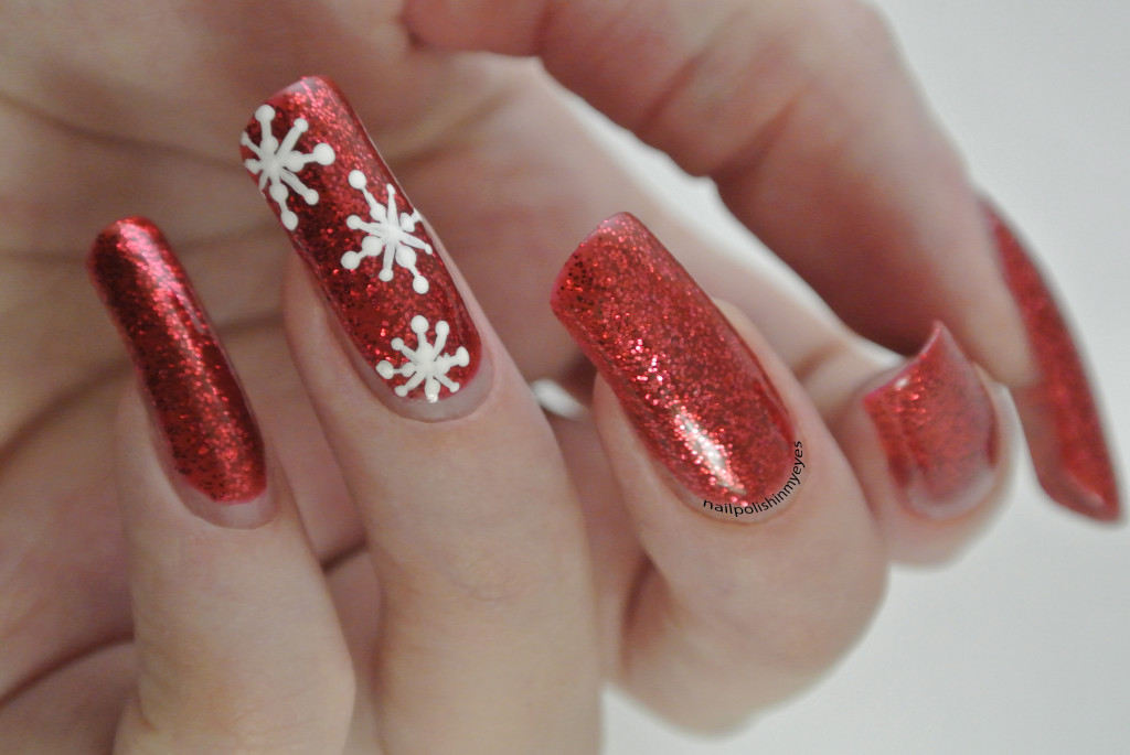 Red-Glitter-Snowflakes-1
