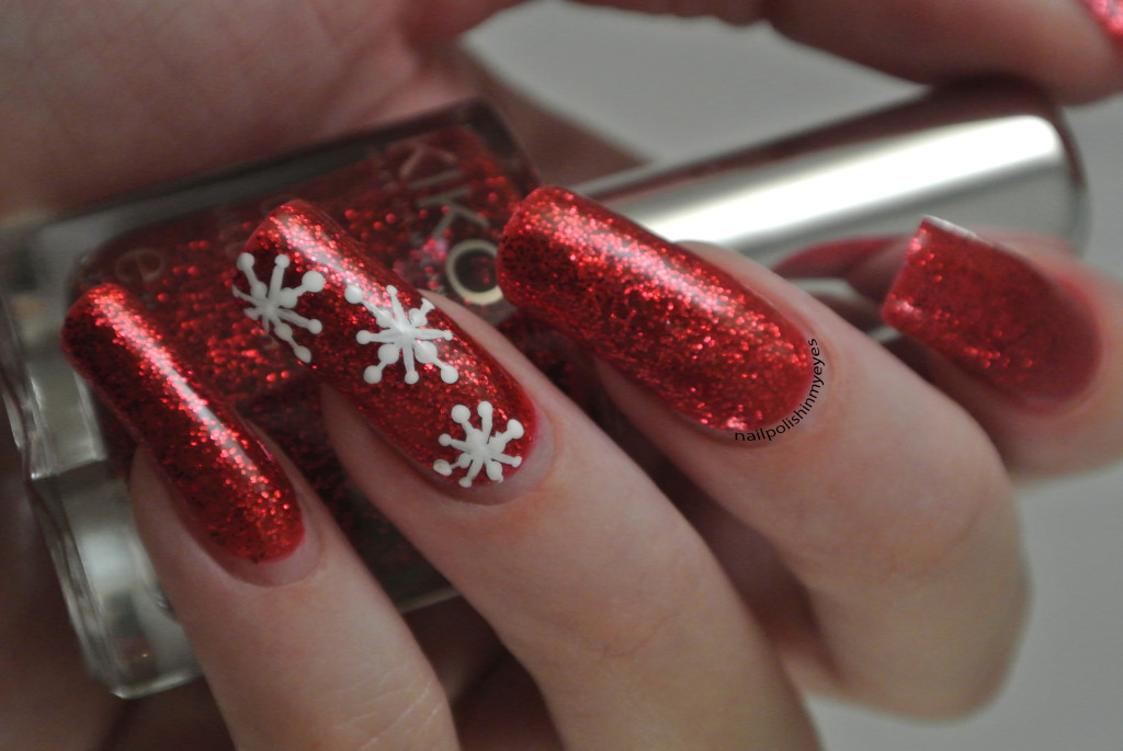 Red-Glitter-Snowflakes-1.1