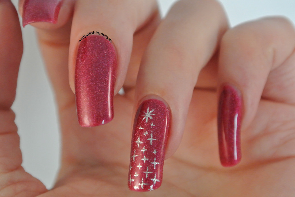Red-Subtle-Christmas-Sparkling-Tree-1.1