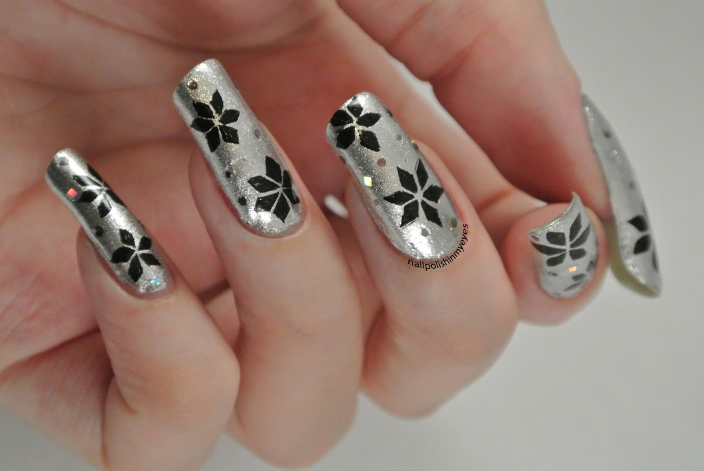 Silver-Black-Christmas-Star-1