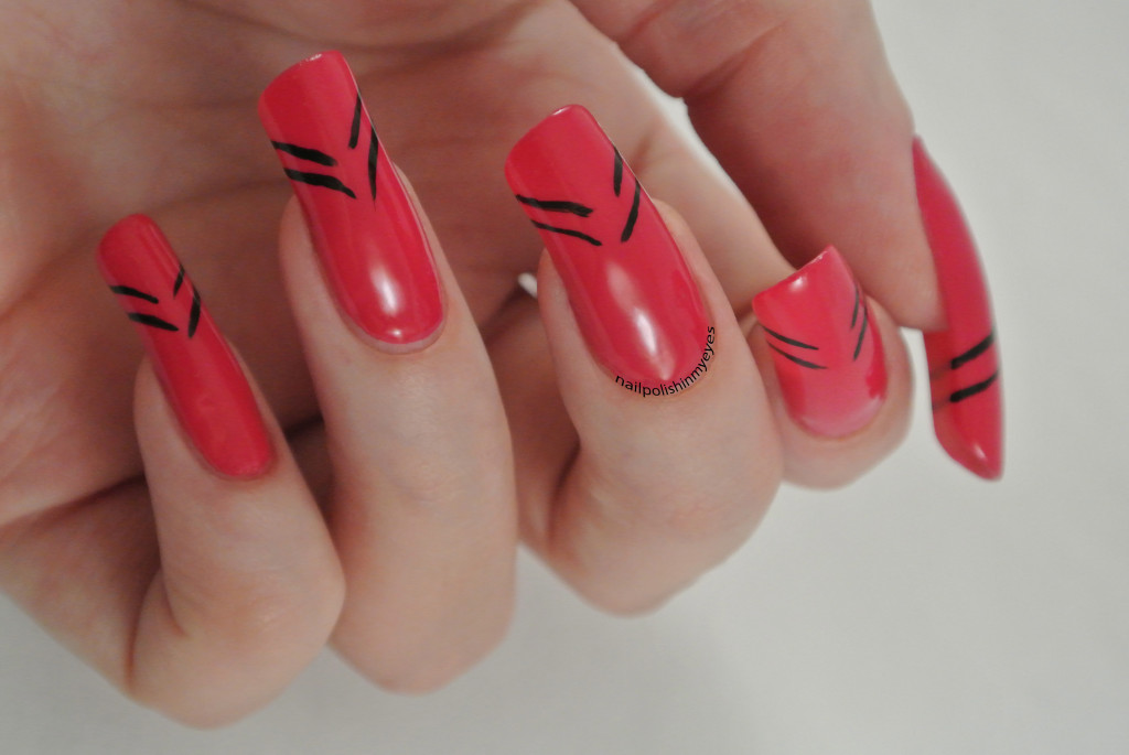 Pink-Abstract-French-Manicure-Stripes-1.1