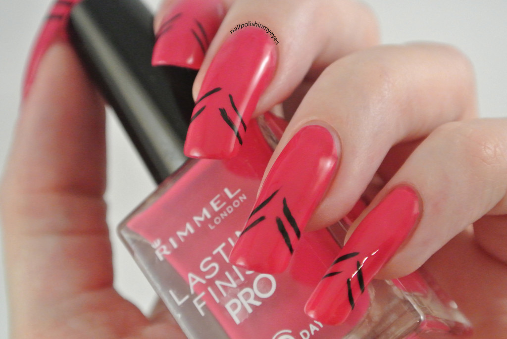 Pink-Abstract-French-Manicure-Stripes