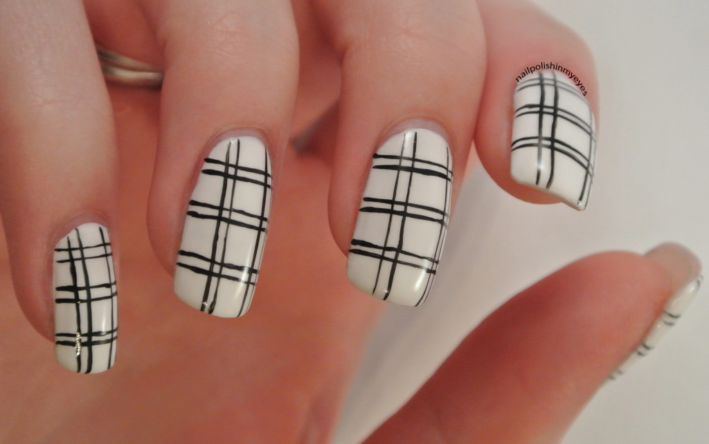 White-Black-Stripes-1.2