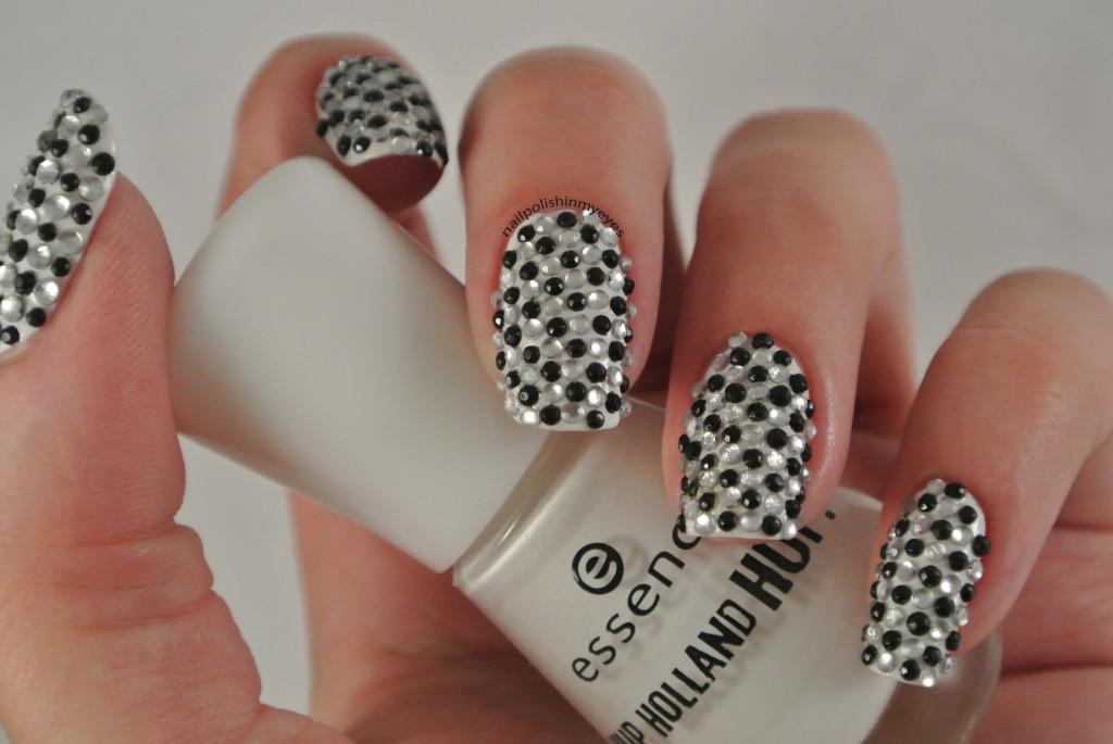 31dc14-Black&White-1.1