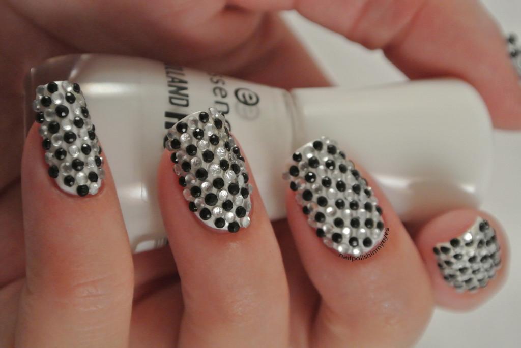 31dc14-Black&White-1.2