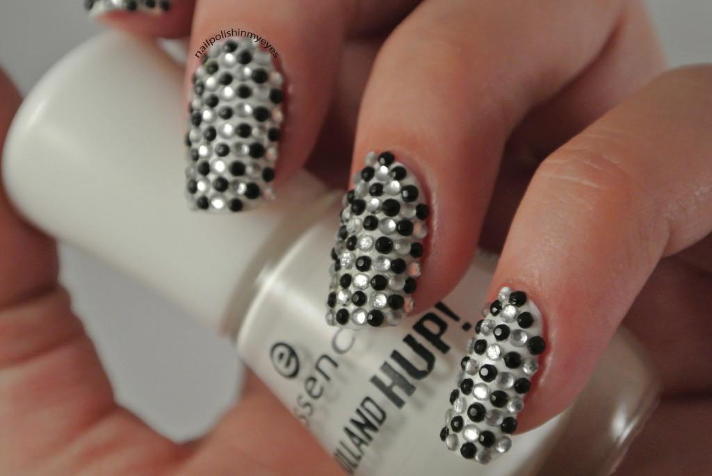 31dc14-Black&White-1.3