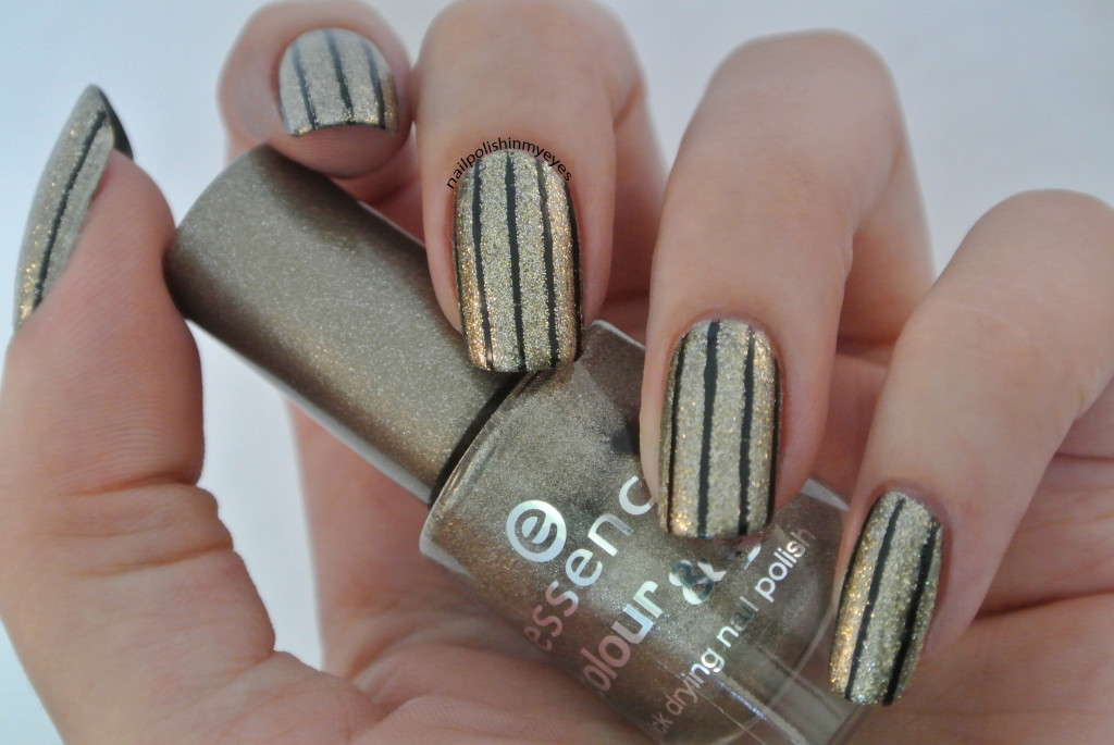 Gold-Glitter-Black-Stripes-1.1