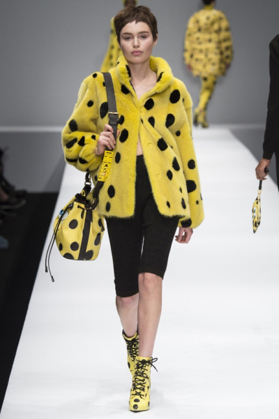31dc14-Fashion-Moschino